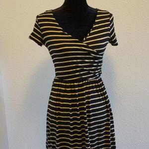 Gilli stripped dress small